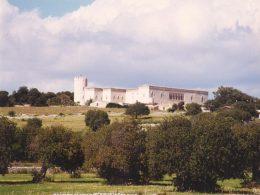 """Tappa al Castello di Donnafugata del """"Primo cammino internazionale dell'Antica Trasversale Sicula"""""""