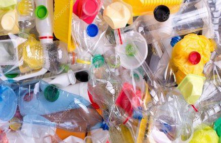 Altri 30 giorni di tempo, per i titolari di concessioni demaniali, per smaltire le scorte non biodegradabili