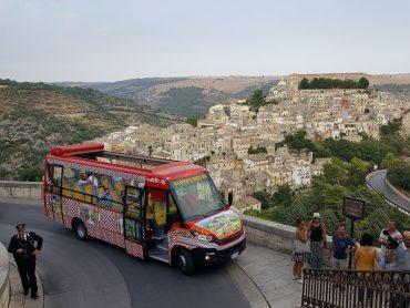L'amministrazione intende istituire un servizio di bus navetta da e per Ibla