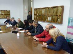 Solo tre le firme per la sfiducia al sindaco: volano gli stracci fra le opposizioni