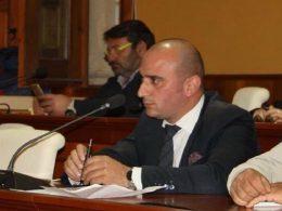 Il Consigliere Giuseppe Nicastro interviene sulla questione del licenziamento dei dipendenti EMAIA
