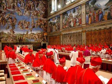 Extra omnes: la tentazione del papa straniero come Cavallo di Troia