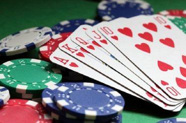 Stareste al tavolo da gioco con Berlusconi o Musumeci?