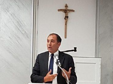 L'on.le Dipasquale saluta il nuovo vescovo della Diocesi di Ragusa
