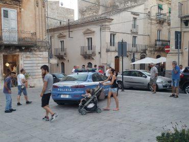 In piazza San Giovanni occorre un presidio della Polizia Locale o della Polizia di Stato