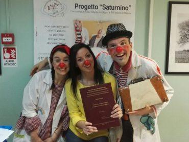 Una tesi di laurea sulla comicoterapia e sul Progetto Saturnino