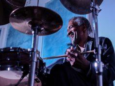 Al Foster, Il batterista di Miles Davis, accompagnato dal vibrafono di Jordi, chiude 'Vie Note' a Scicli