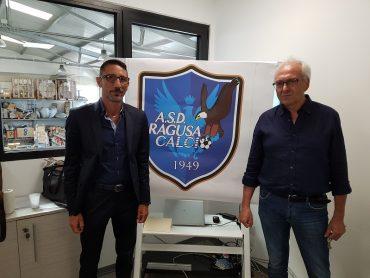Gli sportivi hanno salutato con gioia il rientro di Santo Palma nel suo ruolo di Direttore tecnico del Ragusa Calcio. Entusiasmo alle stelle per la vittoria sul Caltagirone