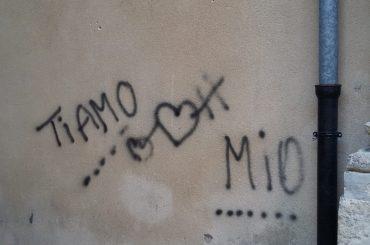 Atti di vandalismo in centro storico a Ragusa