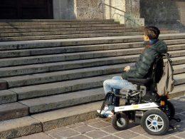 Le scale che collegano Ragusa a Ibla rappresentano una barriera architettonica: lo ammette l'associazione Sud Tourism