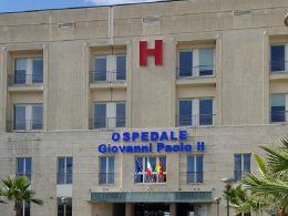 Le corse del trasporto urbano per il nuovo ospedale carenti e disallineate con gli orari di visita ai degenti