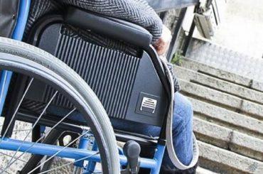 Il Viceministro per la Famiglia e la Disabilita' celebra la Giornata per il superamento delle Barriere Architettoniche che, invece, al Comune di Ragusa si patrocinano e si presentano in conferenza stampa