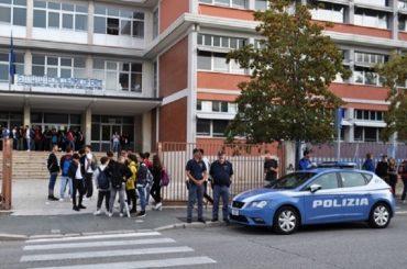 Giustificato allarme di Maria Malfa, ma la Polizia di Sato è pronta con il Progetto Scuole Sicure