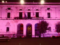 Palazzo dell'Aquila illuminato di rosa per la campagna AIRC per la sensibilizzazione sul tumore al seno