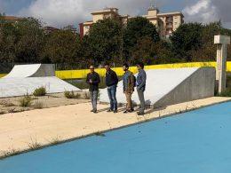 I consiglieri Daniele Vitale e Fabio Bruno in sopralluogo all'impianto della pista di pattinaggio con l'assessore Giuffrida