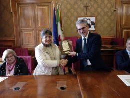"""L'assessore Iacono ha premiato i componenti dell'orchestra dell'Istituto """"Maria Schininà"""""""