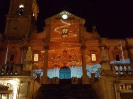 Bellissimo il videomapping sulla Cattedrale, ma la città non risponde