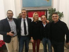 Comunicato congiunto dei gruppi consiliari 5 Stelle – PD sulle dichiarazioni del Sindaco Cassì per lo sbarco dei clandestini sulla spiaggia di Caucana