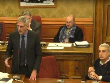 Seduta ispettiva del Consiglio Comunale, solito tempo perso, con l'eccezione delle novità annunciate dal Sindaco