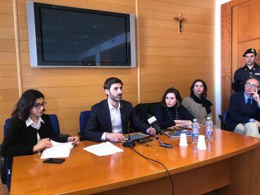 Il sottosegretario Villarosa a Ragusa per la questione delle azioni della Banca Agricola: una riunione senza esiti