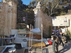 Atto delinquenziale di puro vandalismo al Castello di Donnafugata