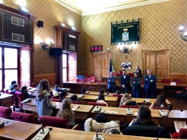 24 alunni della scuola Vann'Antò hanno incontrato l'amministrazione