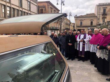 Traslata la salma di monsignor Angelo Rizzo