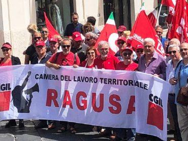 Folta delegazione della CGIL di Ragusa alla manifestazione di Reggio Calabria