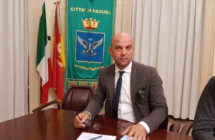 Anche il consigliere Sergio Schininà, Presidente della Commissione Ambiente, difende le scelte della maggioranza, attaccando i 5 Stelle
