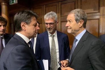 Il Sindaco Cassì protagonista, assieme a Conte e Musumeci, nel carosello di decreti e ordinanze