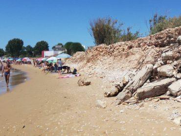 La Porta di Territorio, che plaude all'operato della giunta Cassì, e il 5 Stelle Firrincieli rivangano le incompiute della passata amministrazione