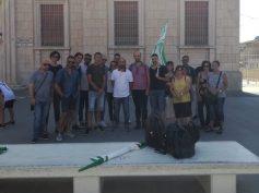 Sciopero congiunto dei pulizieri del tribunale e dei dipendenti del Centro Convenienza di Ragusa