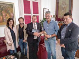 Il sindaco David Apap Agius del borgo maltese Gharb dell'isola di Gozo a Palazzo dell'Aquila
