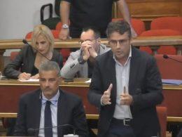 Il capogruppo 5 Stelle stigmatizza il disinteresse dell'assemblea cittadina per gli atti proposti dalle minoranze