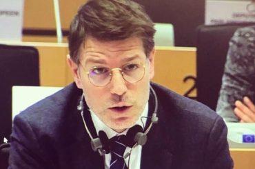 """La proposta dell'eurodeputato 5 Stelle Corrao: """" Liberare le serre dalla plastica e utilizzare le bioplastiche, ma servono incentivi"""""""