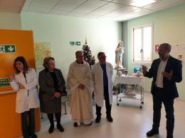 La benedizione, sotto il segno dell'Immacolata, per il reparto di Ostetricia e Ginecologia