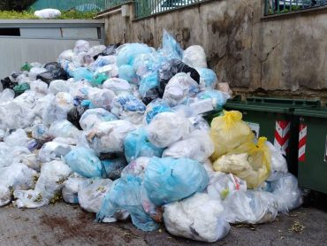 Controlli della Polizia Municipale per il corretto conferimento dei rifiuti