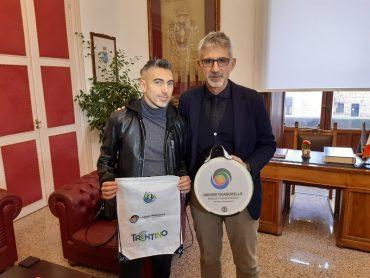Il selezionatore della Nazionale Italiana di palla tamburello ricevuto al Comune dal sindaco Peppe Cassì