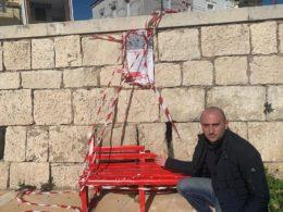 Distrutta la Panchina Rossa a Scoglitti, solidarietà a tutte le donne da parte del segretario PD
