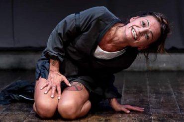 """""""GIRA-SOLI"""" con Alice Sgroi diretta da Giovanni Arezzo al Teatro Badia di Ragusa"""