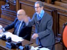 Squallido quadretto all'ARS durante la votazione sulla Legge di Stabilità: Musumeci sbrocca e si attira le critiche dell'intero parlamento