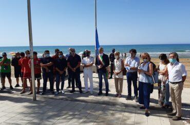 Issata la Bandiera Blu a Marina di Ragusa, ufficialmente aperta la stagione balneare 2020