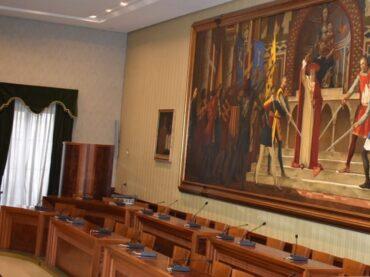 Da una nota congiunta delle opposizioni si apprende che il Comune di Modica è fermo alla diretta televisiva, senza streaming e senza differite delle sedute di Coniglio Comunale