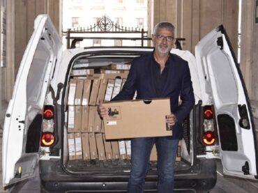 Le famiglie Giuffrè e Iacono hanno donato 300 computer portatili da destinare ai minori meno abbienti