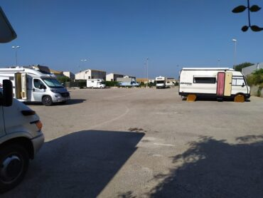Sosta selvaggia dei camper a Marina di Ragusa