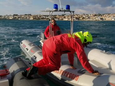 Interventi in mare  degli uomini del Presidio Marina di Ragusa della Protezione civile comunale, il plauso dell'assessore Iacono