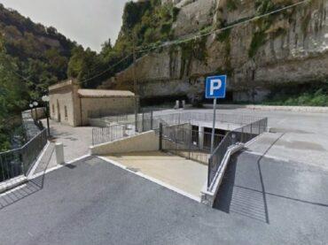 Si rende finalmente fruibile il parcheggio di Largo San Paolo, ma non ci voleva molto per farlo prima