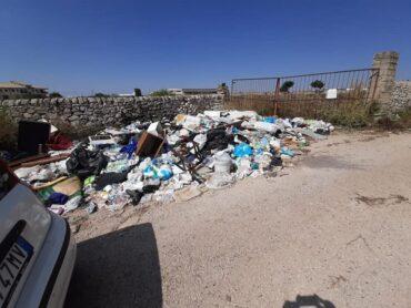 Il privato toglie di mezzo i rifiuti abbandonati con la benedizione del Presidente della Commissione Ambiente